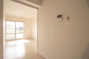天井も床も解体して、ゼロから和室を洋室に完全リフォーム!|リフォームの施工事例|洋室