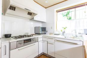 キッチンをL字型に変えて、家族と楽しく会話をしたい。|リフォームの施工事例|キッチン