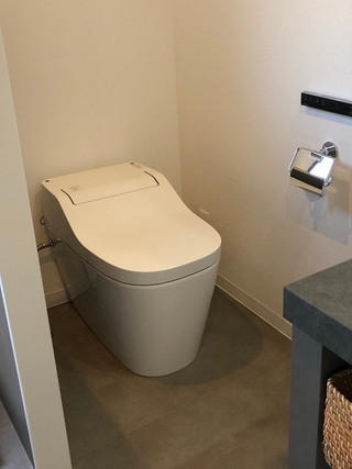 トイレと洗面室を一緒にした、ホテルライクなサニタリールーム|リフォームの施工事例|トイレ