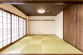 琉球畳でモダンな和室に。押入れも大型クローゼットに造作。|リフォームの施工事例|和室