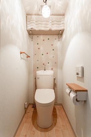 無機質な空間からナチュラルテイストの可愛らしい素敵なトイレへ|リフォームの施工事例|トイレ