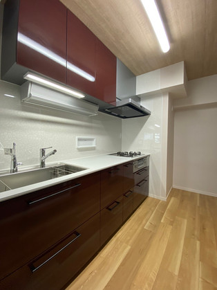 シンプルだけどこだわりの機能が詰まったキッチンへリフォーム|キッチン