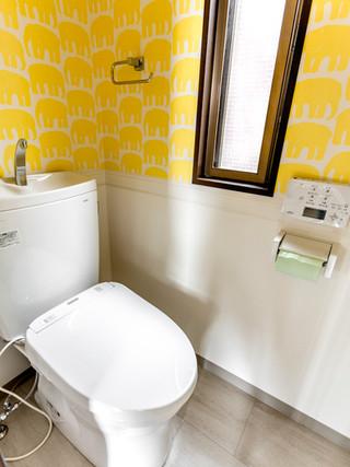 見た目は同じでも洗浄機能や節水性がレベルアップしたトイレに。|リフォームの施工事例|トイレ