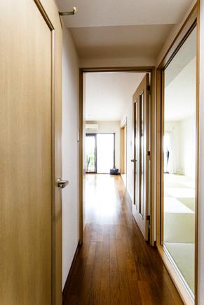 遮音性の高いフローリングに張替え|リフォームの施工事例|廊下