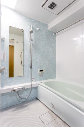 サイズアップを実現したマンション・バスルームのリフォーム! リフォームの施工事例 浴室・バス