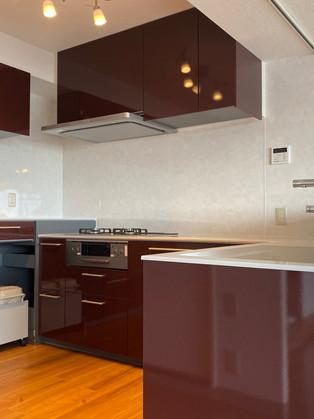 お料理好きにはたまらない、広々コの字型キッチンにリフォーム!|キッチン