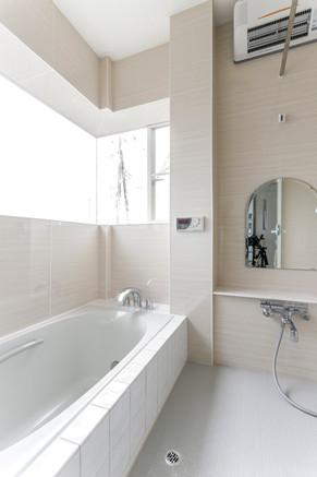 在来浴室からオーダーメイドでタイルのお風呂を作り直しました。|リフォームの施工事例|戸建て