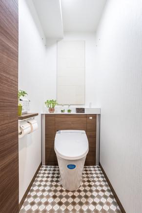エコカラットで消臭効果!ホテルのようなトイレにリフォーム|リフォームの施工事例|トイレ