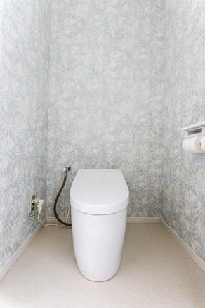 タンクレストイレにリフォーム。手洗い器も新しくなりました。|リフォームの施工事例|トイレ