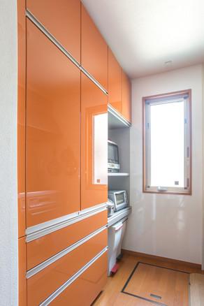 新しい大容量のカップボードでキッチンをすっきり綺麗に!|リフォームの施工事例|キッチン
