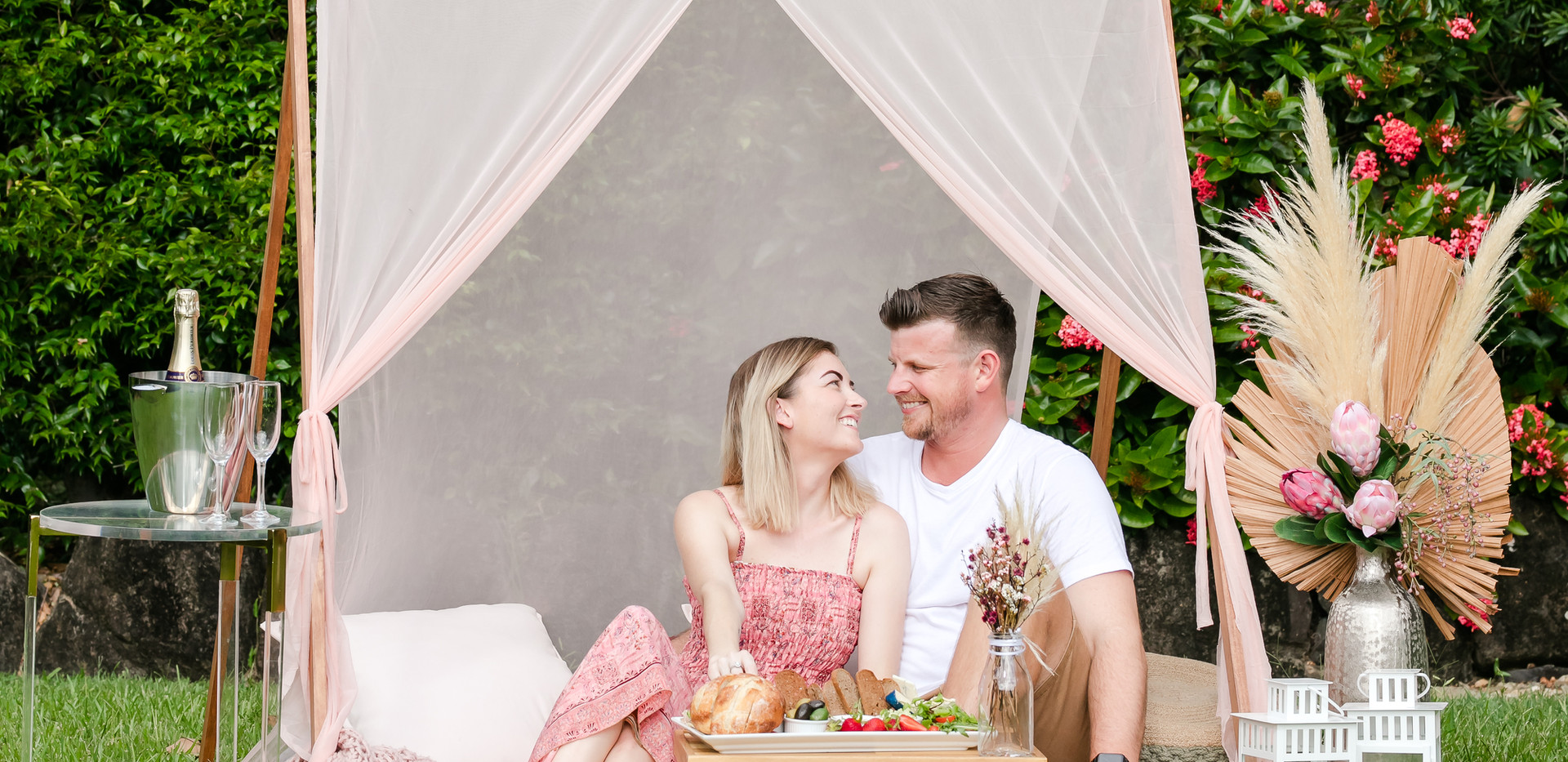 Romantic picnic_.jpg