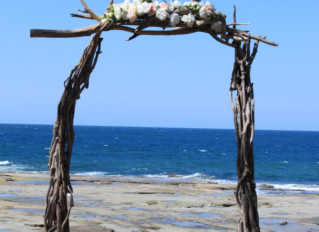 Drift-away driftwood wedding arbour