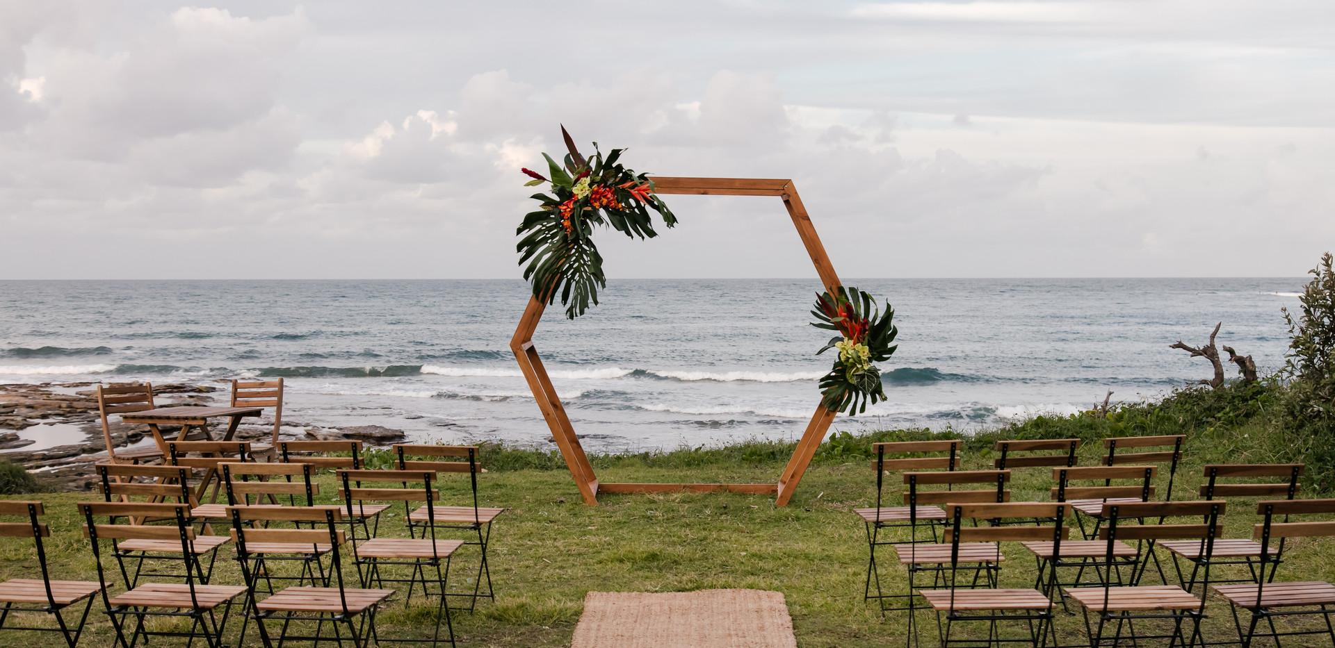 Troppo Hexagon wedding package