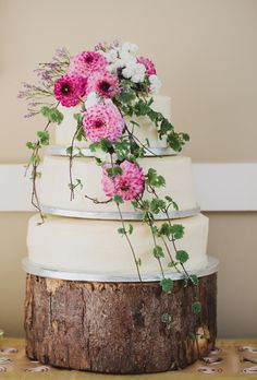 Wedding Cake Flower Idea.jpg