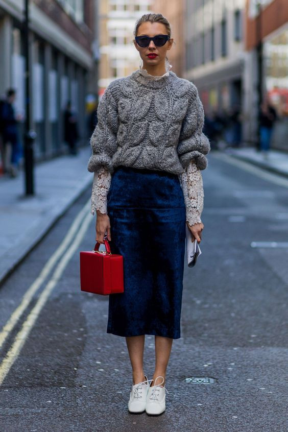 THE PERFECT COMBO OF SKIRTS & SWEATERS