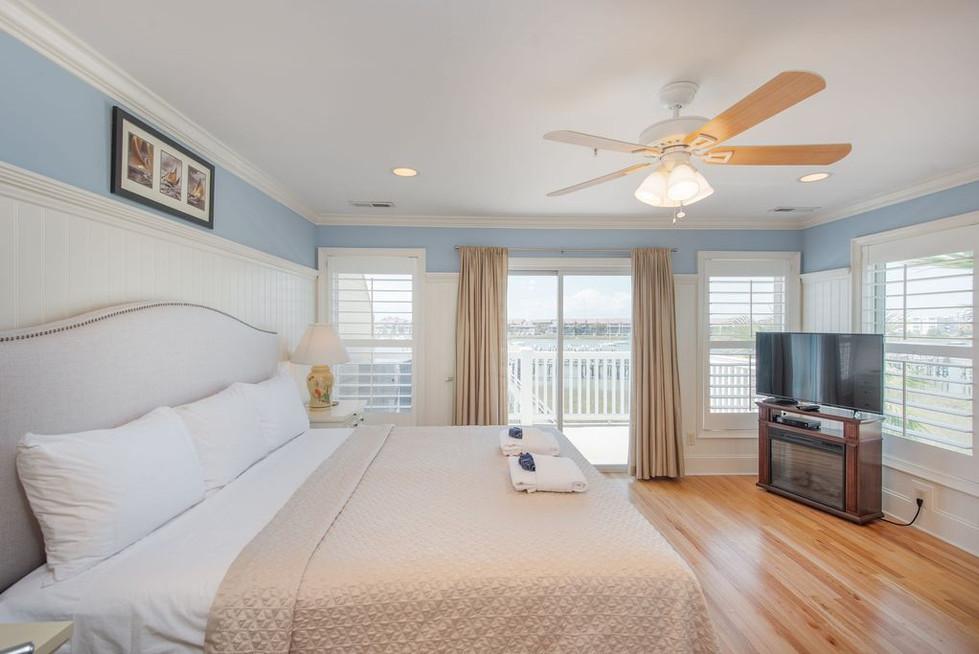 master-bedroom-and-deck.jpg