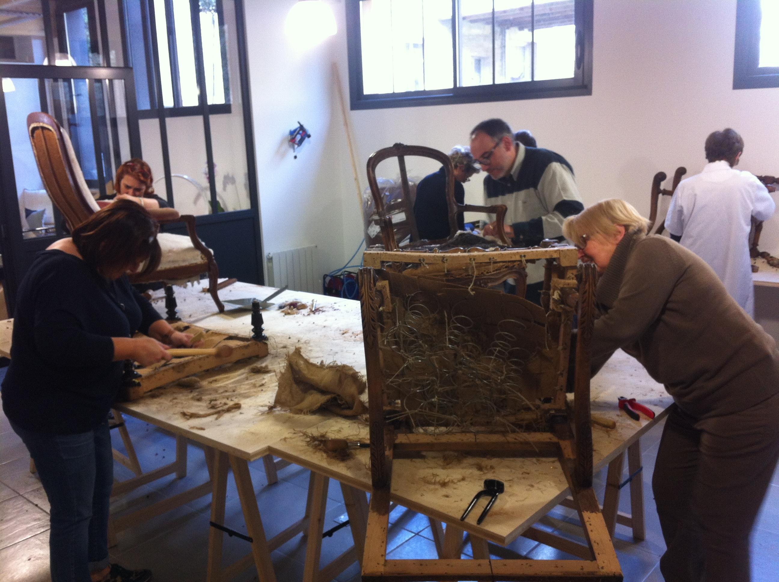 Cours de tapisserie à Bayeux