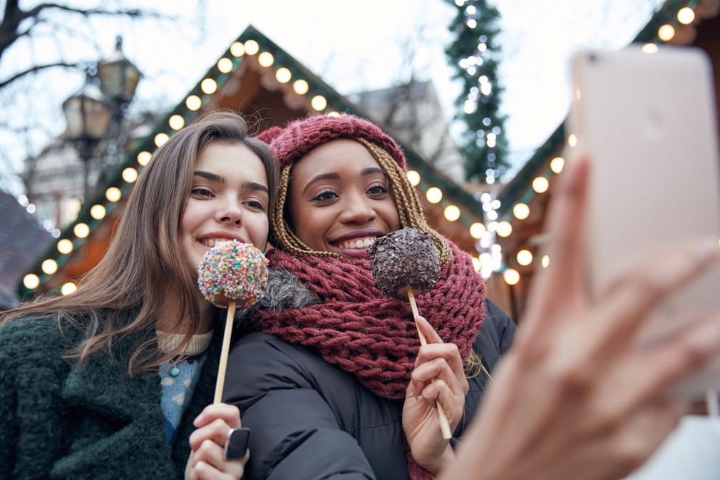 5 Holiday Party Tips & Tricks: How To Have Fun And Stay Healthy