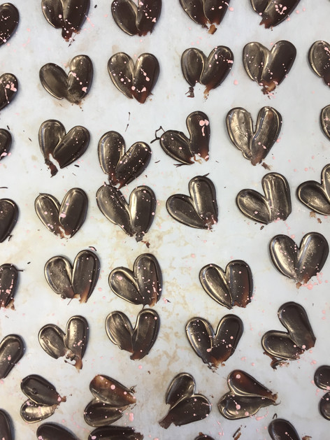 décors de petits coeurs en chocolat