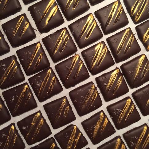 caramel craquant, chocolat noir et fleur de sel