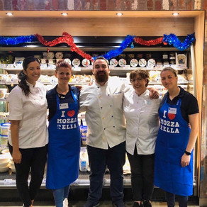 Dinner 'A Night with Pia & Monica' at That's Amore Cheese - 22 November 2019