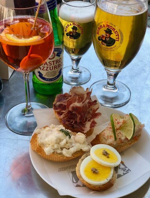Venice - aperol spritz + bar