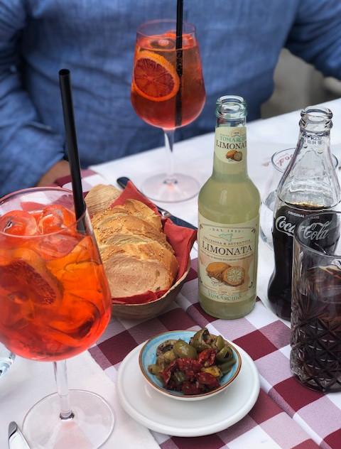 Taormina - piazza drinks