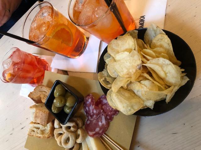 Modena - cafe + bar 2