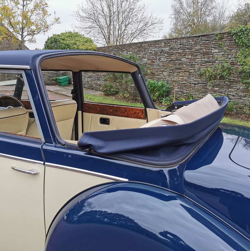 Royal Windsor | Prices Wedding Cars | Wedding car hire in Cardiff, Newport, South Wales