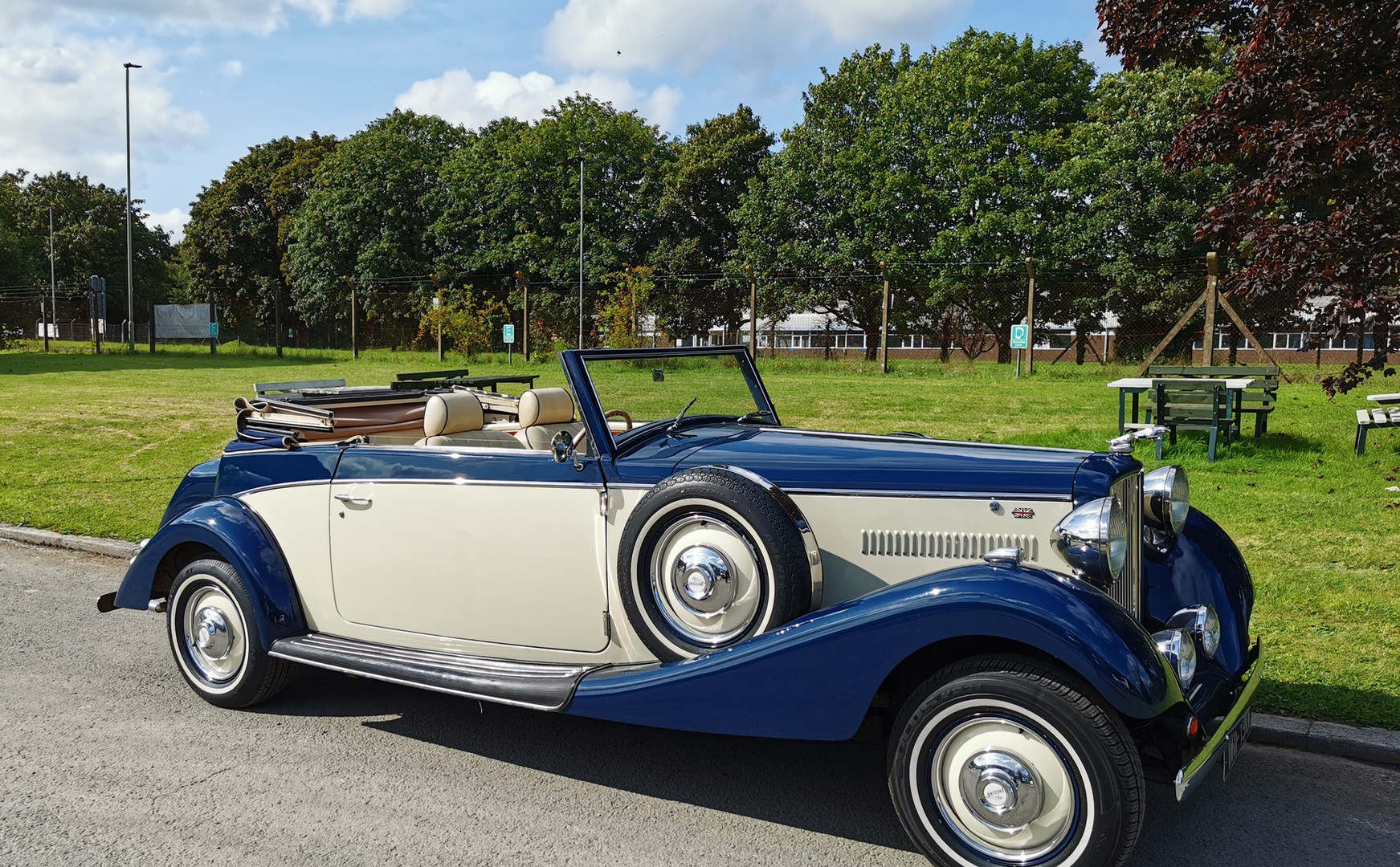 Royal Drophead   Prices Wedding Cars   Wedding car hire in Cardiff, Newport, South Wales