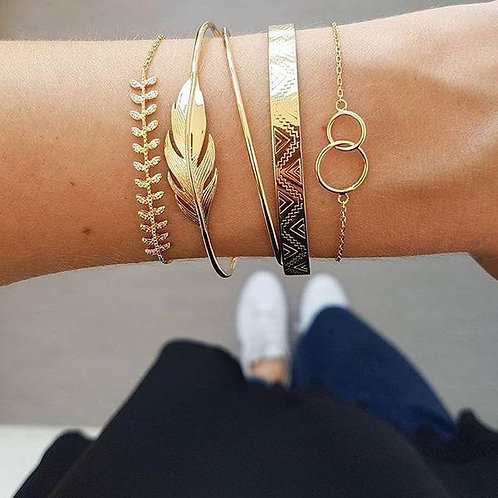 Gold Assorted Bangle Set