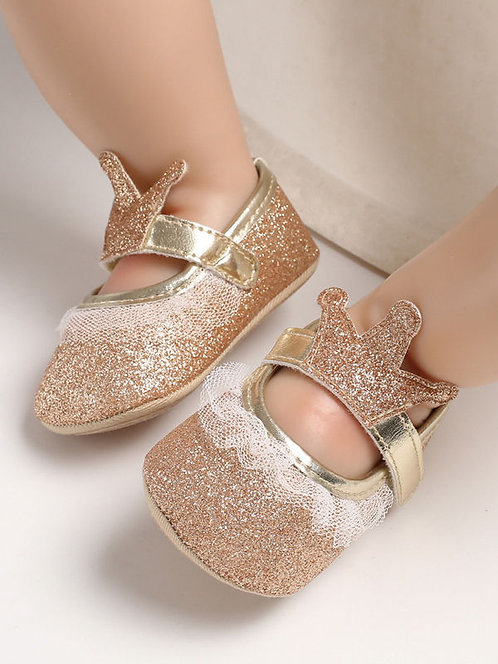 Bedazzling Crown Shoes