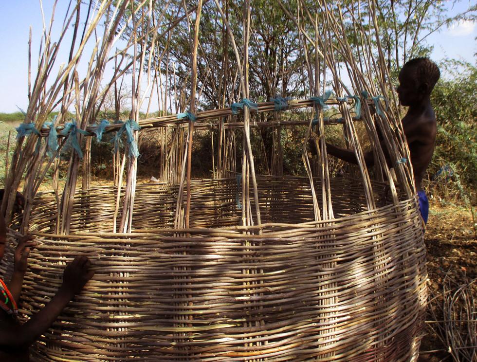 South-Sudan-Achebe-granary-construction-