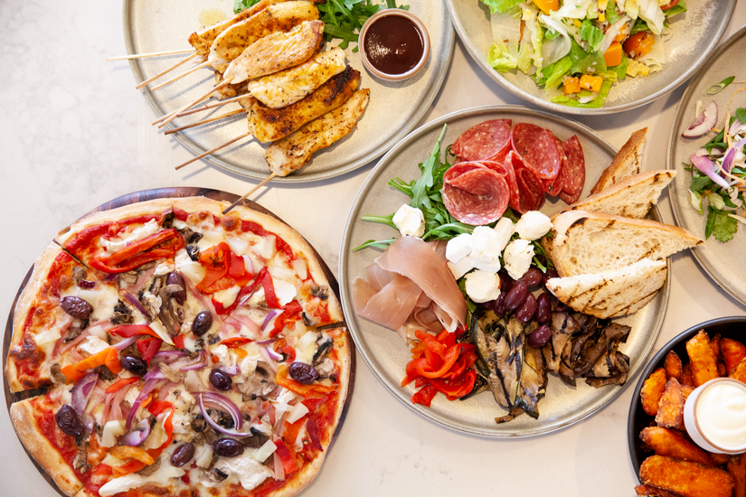 Bateau Bay Hotel Platters & Pizzas