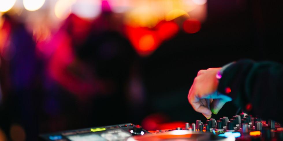 DJ // Saturday Nights