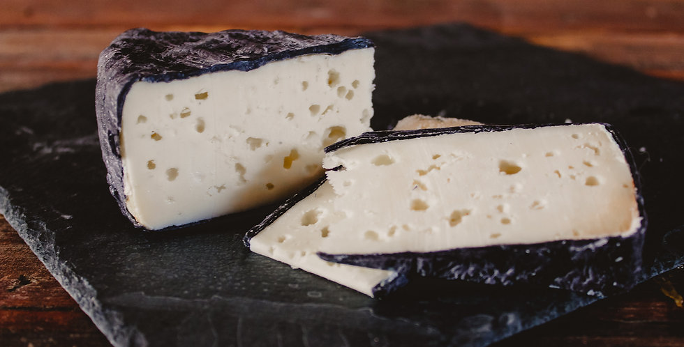 Goats Milk Cheddar-Mild- raw and aged