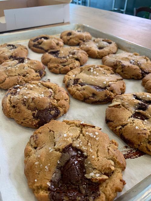 brownbutterchocolatechippecan cookie platter - 12 each