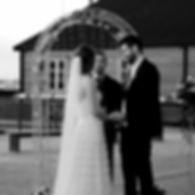 Vi arrangrer bryllup med vigsel, middag og fest i omådet rundt sjøparken midt i Levanger.