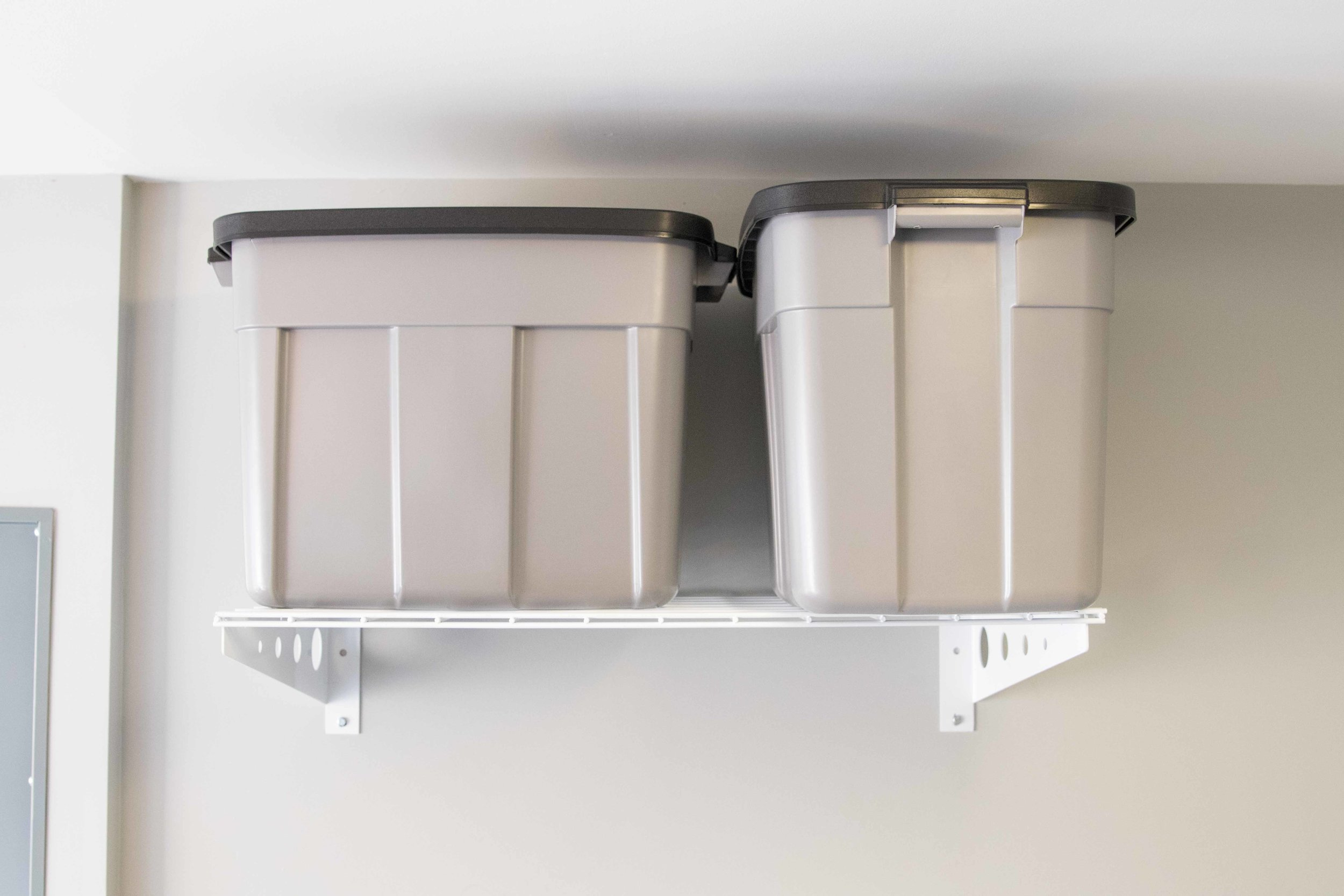 wall shelf with totes