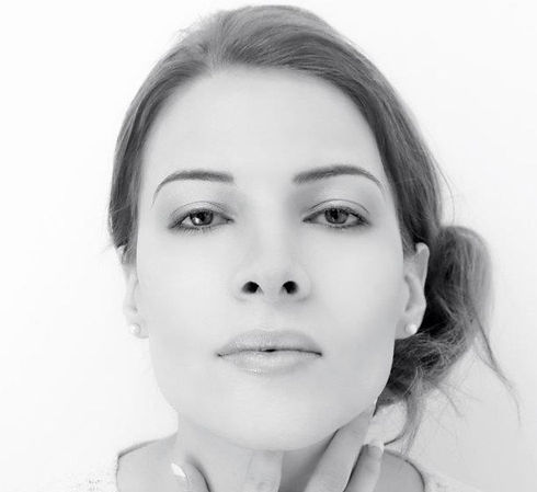 headshot 3 Catherine Delaloye_edited.jpg