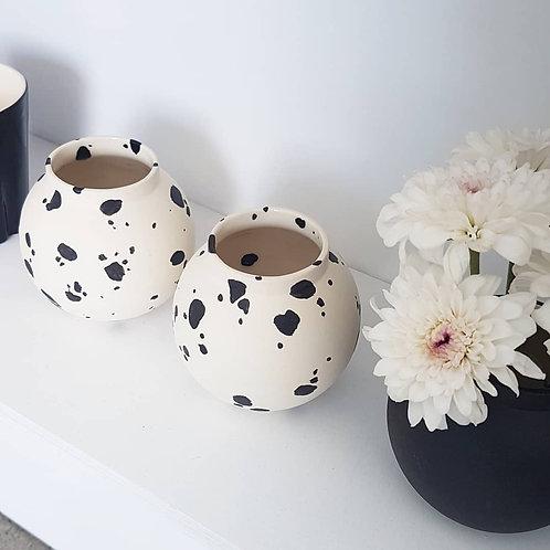 Yahalomis, vase, flower vase, small vase, ceramic vase, bud vase, pottery vase, minimalist flower vase, modern flower vase