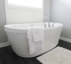 bathtub-2485957