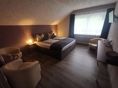 Zimmer 4 3.jpg