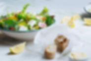 新鮮なフェタチーズのサラダ
