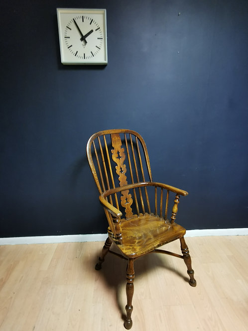 Ash & Elm crinoline stretcher Windsor chair