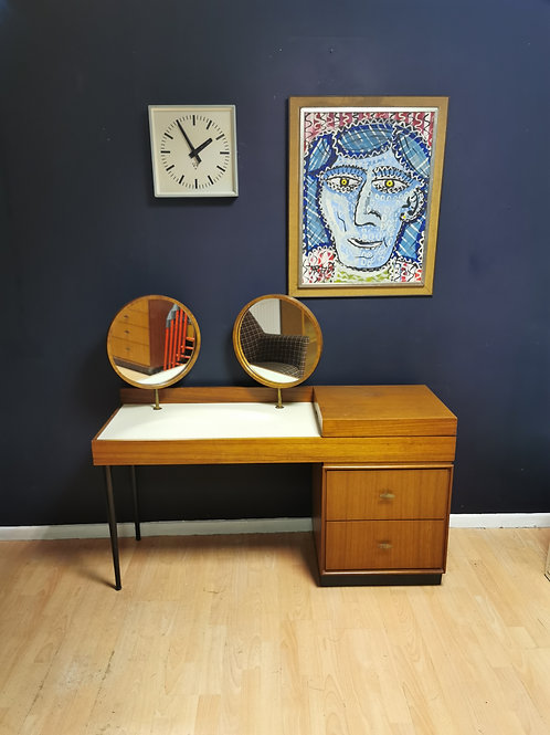 Greaves & Thomas Walnut dressing table with two round mirrors