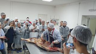 В Якутске прошли курсы разделки мяса для ресторанов