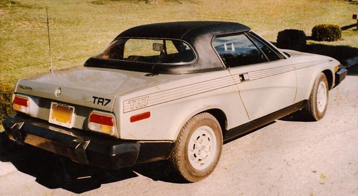 Triumph-TR7-w-black-haartz-vinyl-exterior