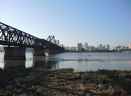 Brug tussen Sinuiju en Dandong