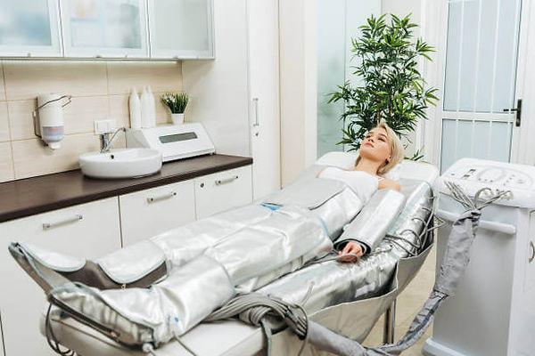 pressotherapy-massage-treatment-woman.jp